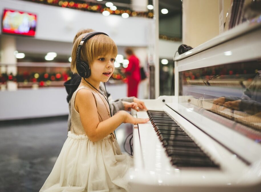 The Benefits of Teaching Kids to Play Instruments